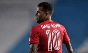 Dani Alves Leaves Sao Paulo Due To Wage Dispute