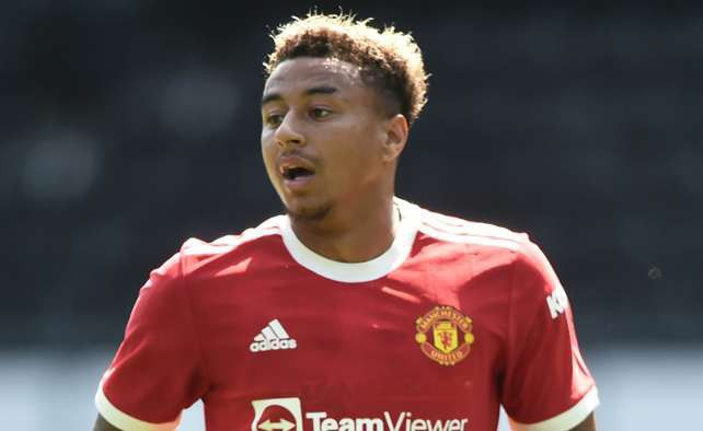 Neville Was Disappointed As Man Utd Didn't Allow Lingard To Leave