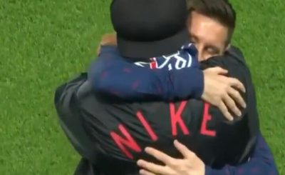 Lionel Messi And Ronaldinho Shared An Emotional Embrace Before PSG CL Win Over RB Leipzig.